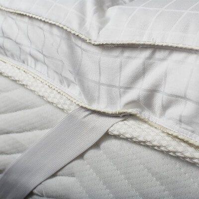 ultimate-microfiber-mattress-topper-with-silk